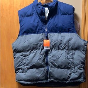 Men's St Johns Bay puffy vest. Size XL NWT